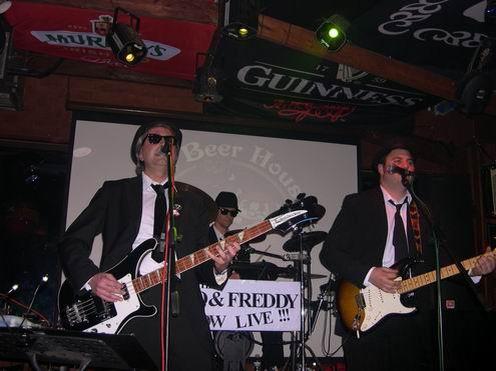 los Cowboys Cantantes en el Beer House, 26 marzo