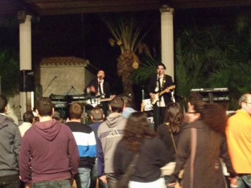 los Cowboys Cantantes: Singing in the Rain en San Isidro
